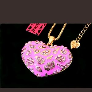 New Betsey Johnson Pink heart necklace